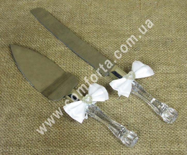 набор из ножа и лопатки для разрезания свадебного торта с декоративной прозрачной ручкой
