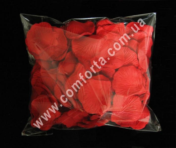 искусственные лепестки роз красного цвета в упаковке по 3500 штук