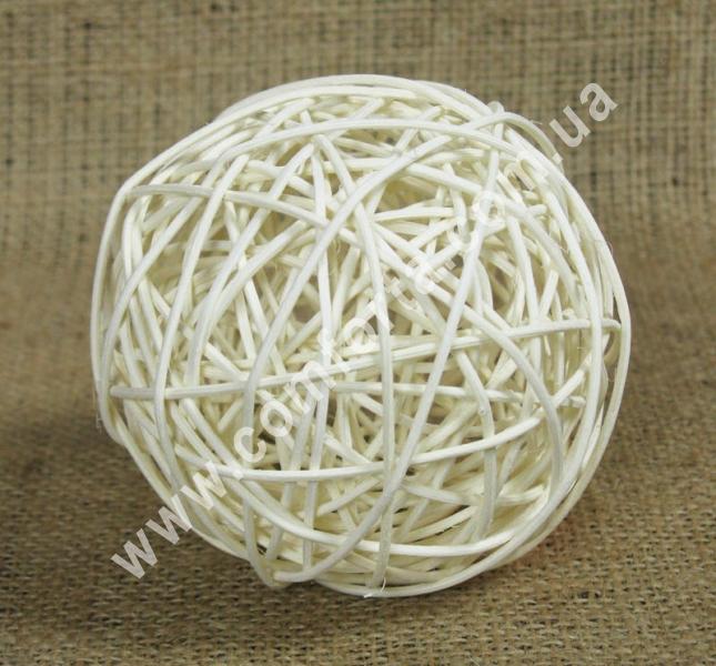 ротанговый шарик для декора, диаметр - 10 см, цвет - бежевый