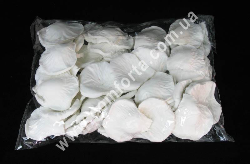 искусственные лепестки роз белого цвета в упаковке по 1600 штук