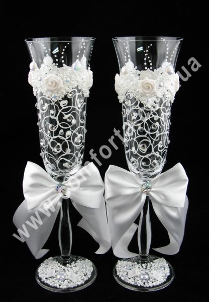 свадебные бокалы с атласными бантами и кристаллами, высота - 25 см, диаметр - 7 см
