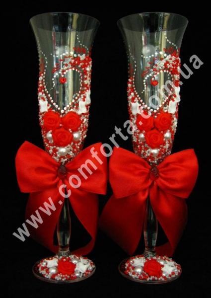 свадебные бокалы с атласными бантами, высота - 25 см, диаметр - 7 см, цвет - красный