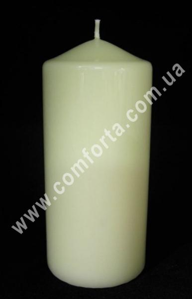 классическая парафиновая свеча в форме цилиндра, высота - 15см, диаметр - 7 см, цвет - кремовый