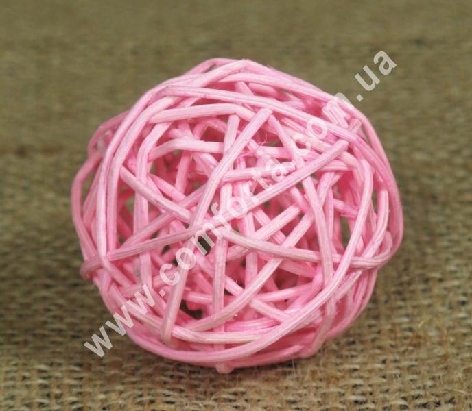 шарик из ротанга, диаметр - 5 см, цвет - розовый